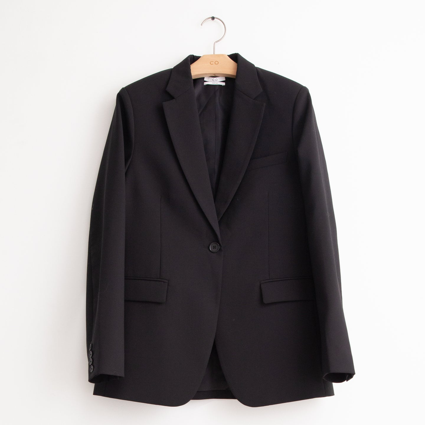 Long sleeve flap pocket blazer in black lightweight fluid wool - CO