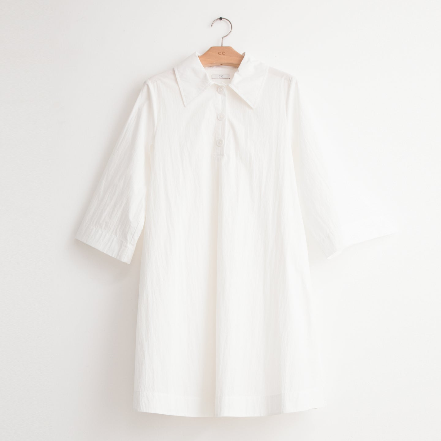 CO - Elbow sleeve tunic shirt in white lightweight cotton nylon