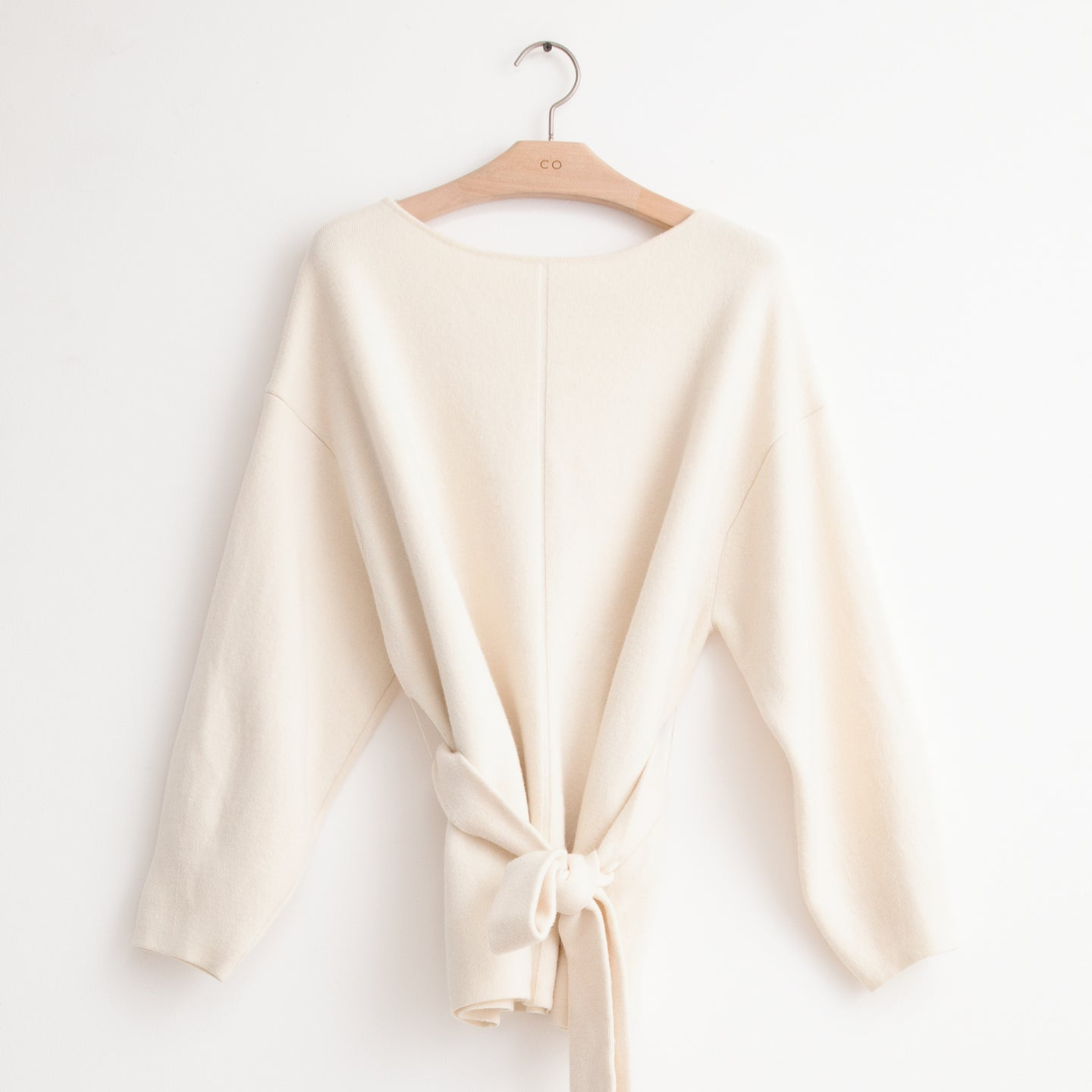 CO - Belted boatneck sweater with front seam detail in ivory wool cashmere