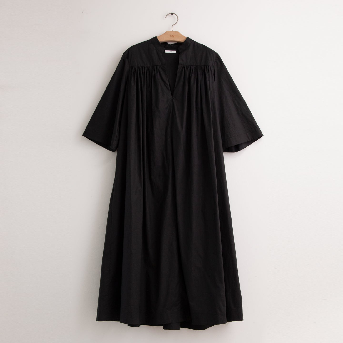 Oversized v neck shirt dress with yolk gather in black cotton poplin - CO
