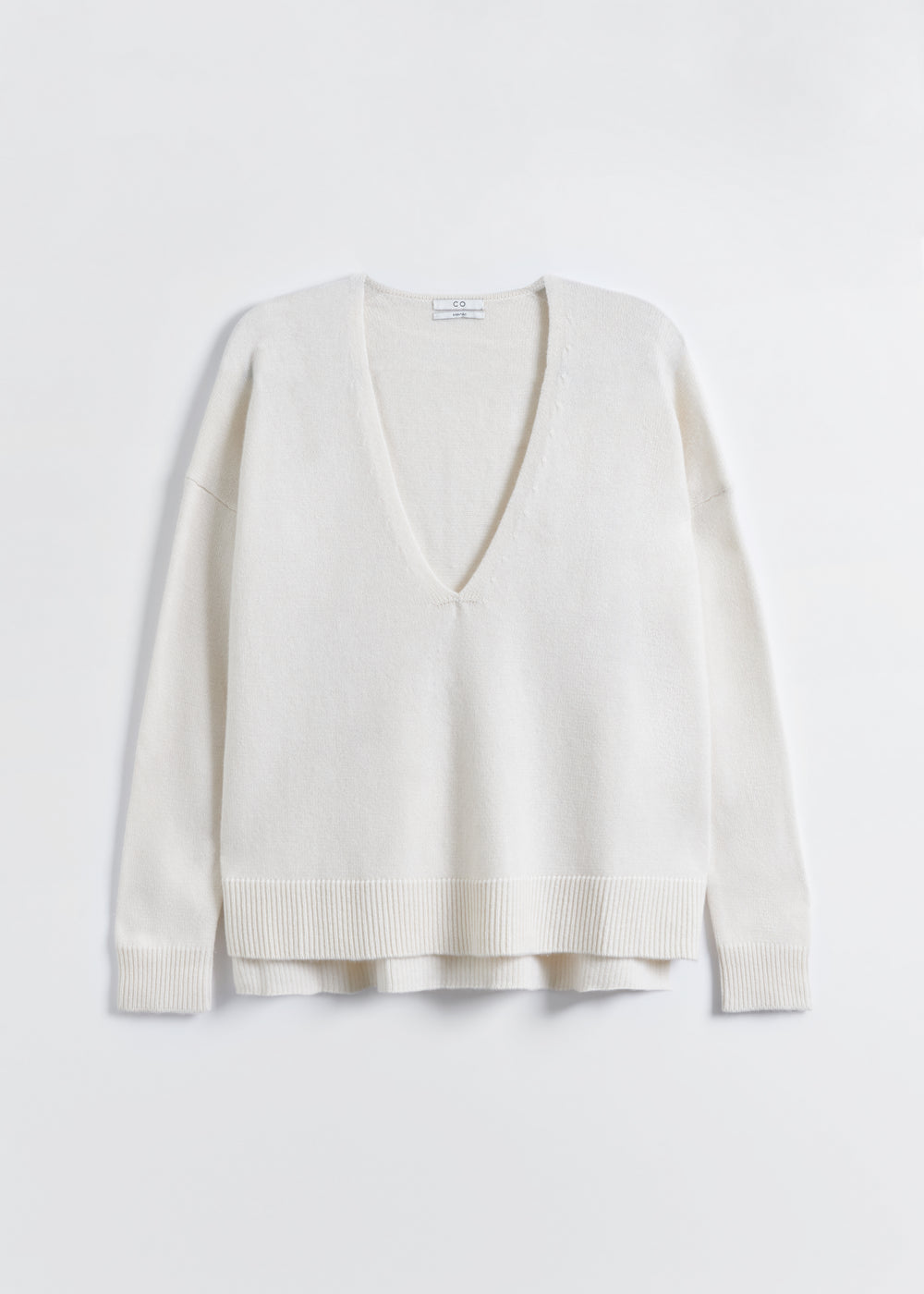 V-Neck Sweater in Wool Cashmere - Taupe in Ivory by Co Collections