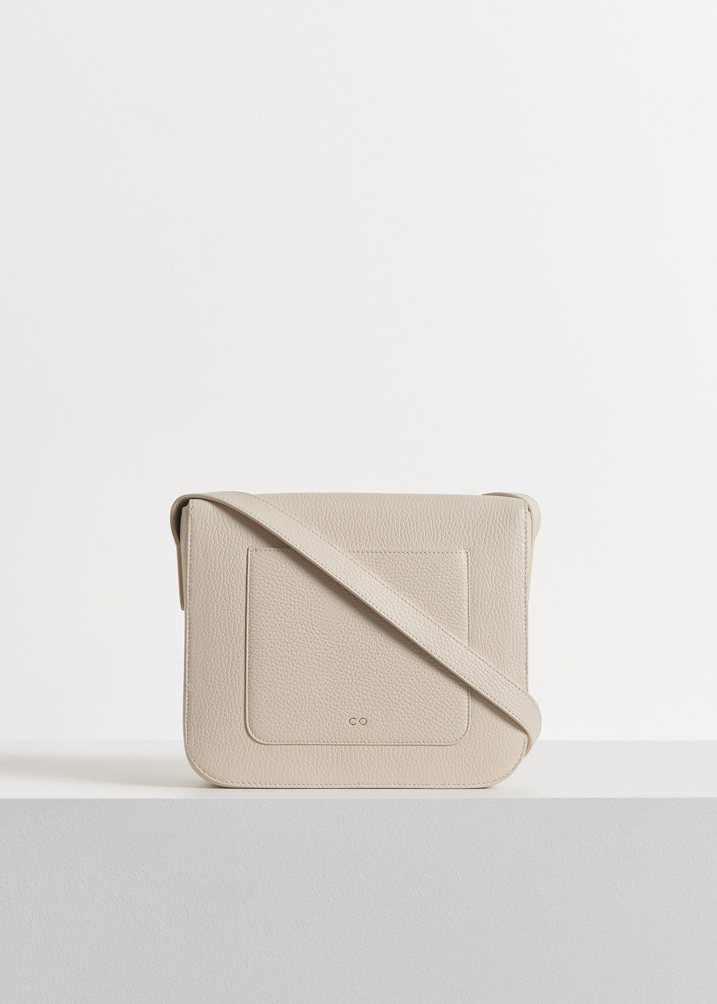 Box Bag in Pebbled Leather - Ivory - CO