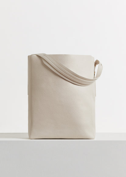Classic Tote in Pebbled Leather - Ivory - CO