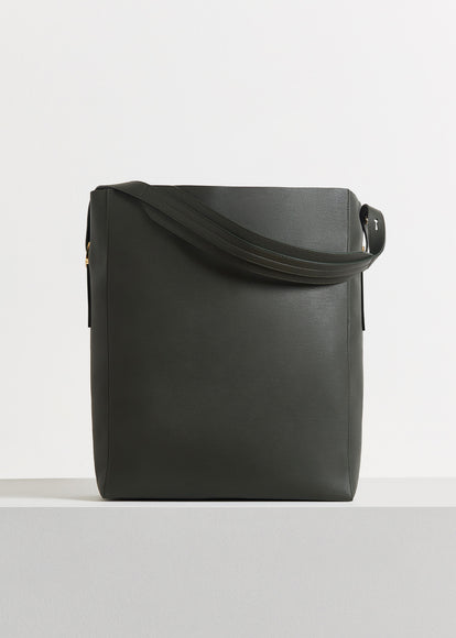 Classic Tote in Pebbled Leather - Olive - CO