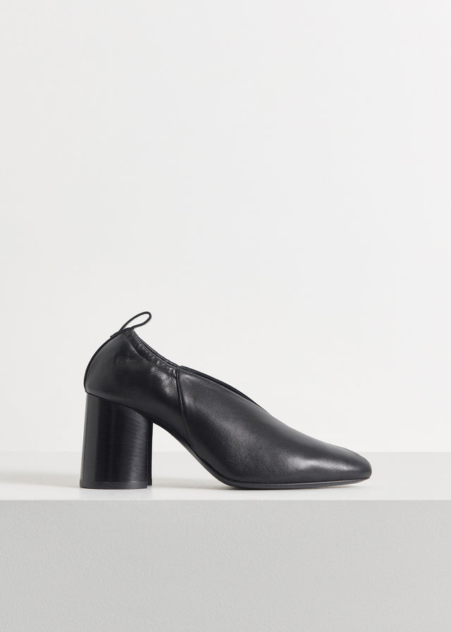 CO - Slit Heel in Smooth Leather - Black