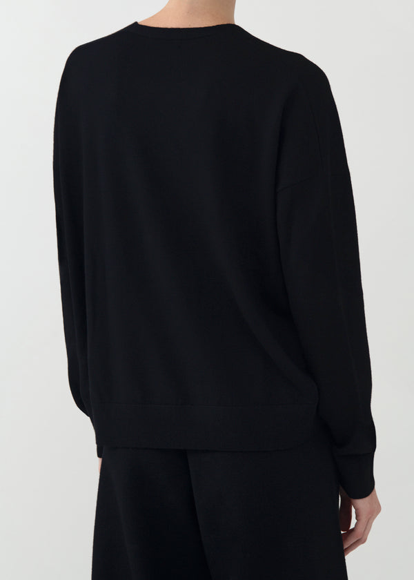 V-Neck Sweater in Merino Wool - Black - CO