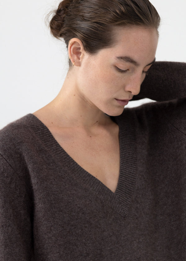 V-Neck Boyfriend Sweater - Brown - CO