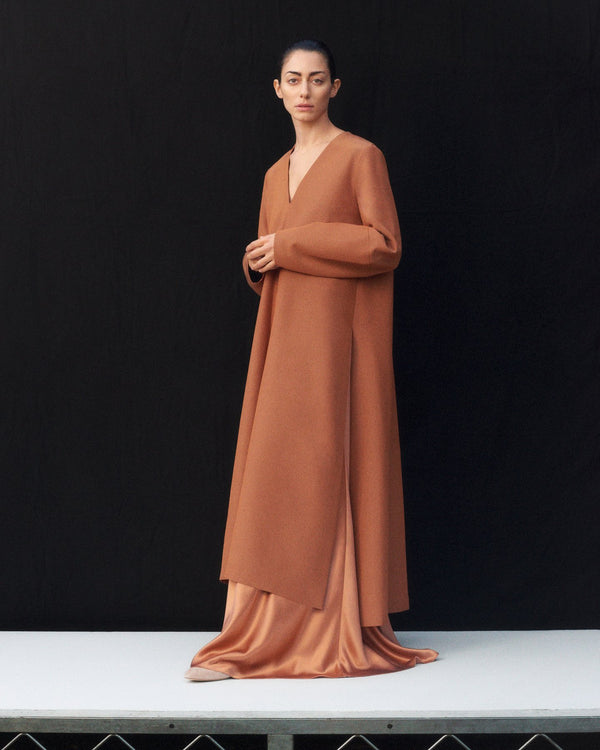 V-Neck Dress in Silk Charmeuse - Copper - CO