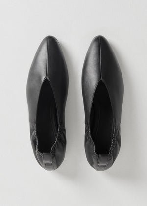 CO - Ballet Flat in Smooth Leather - Black