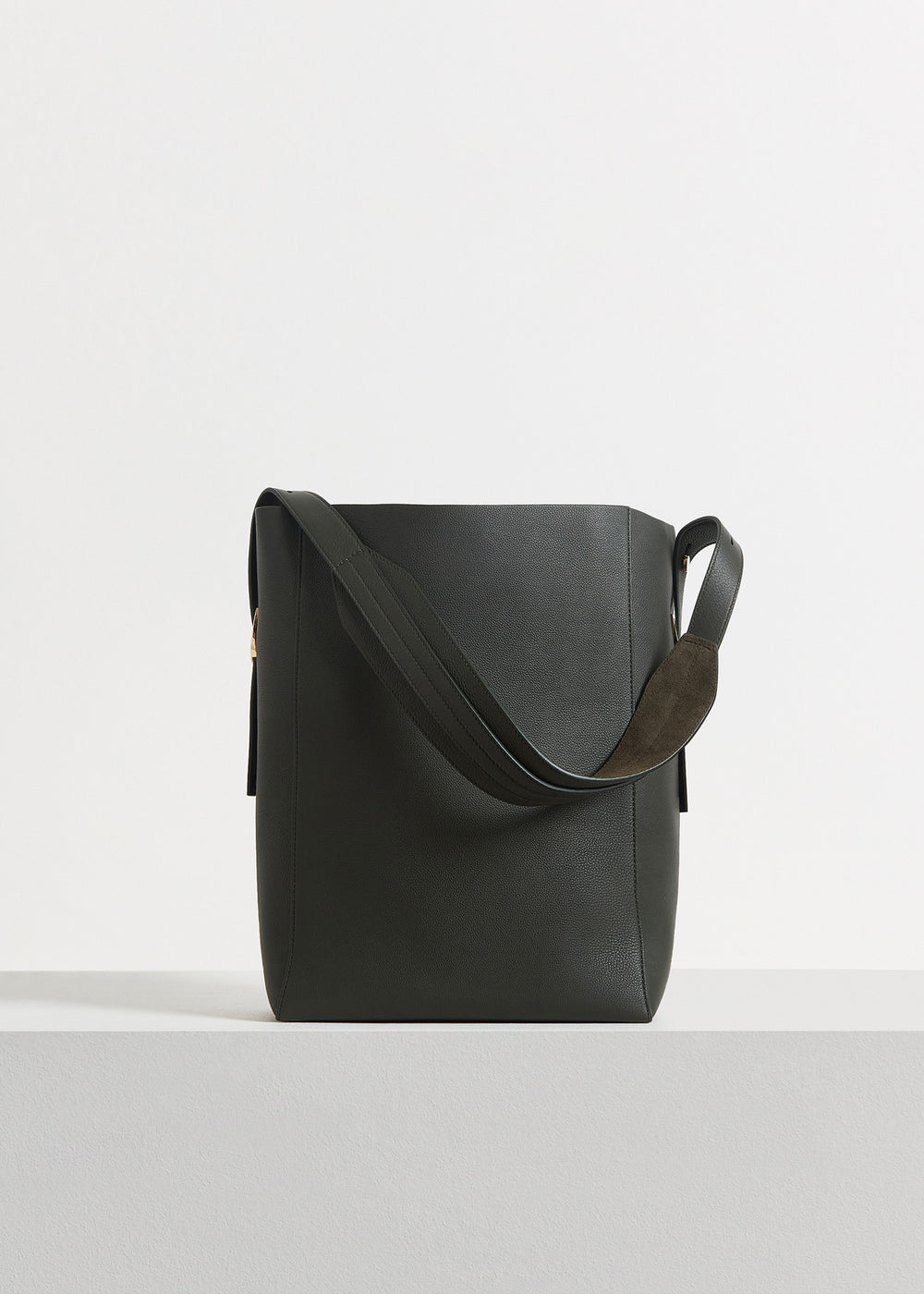 Small Classic Tote in Pebbled Leather - Black in Olive by Co Collections