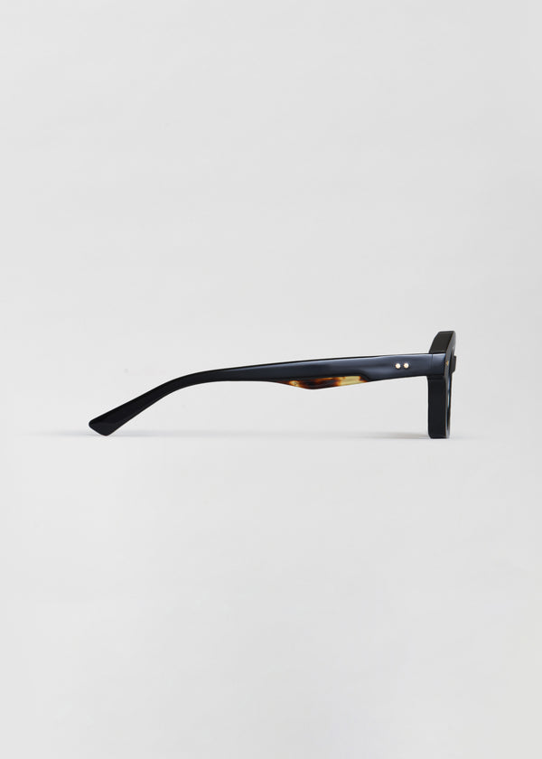 Schindler Sunglasses in Noir - CO Collections