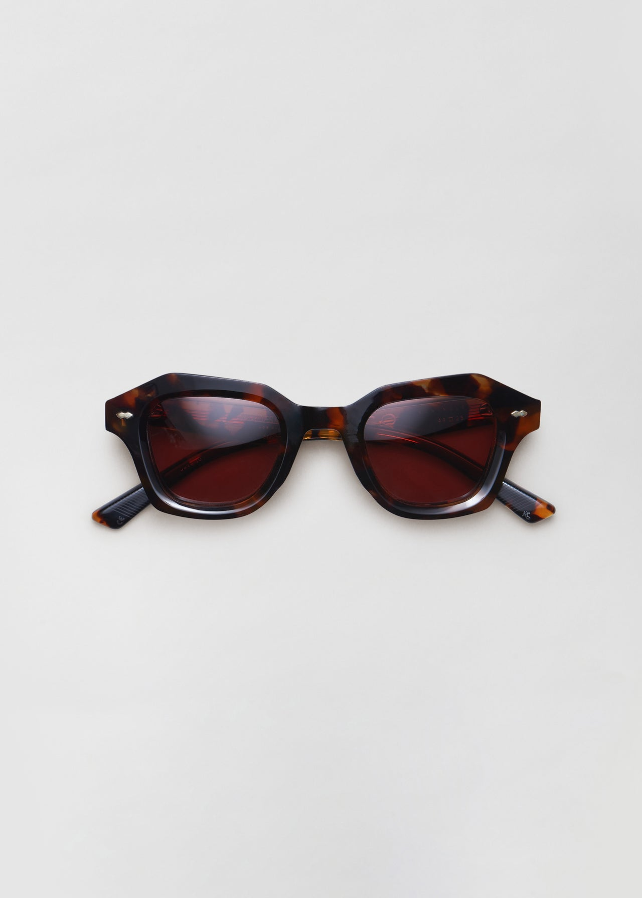 Schindler Sunglasses in Lava - CO Collections