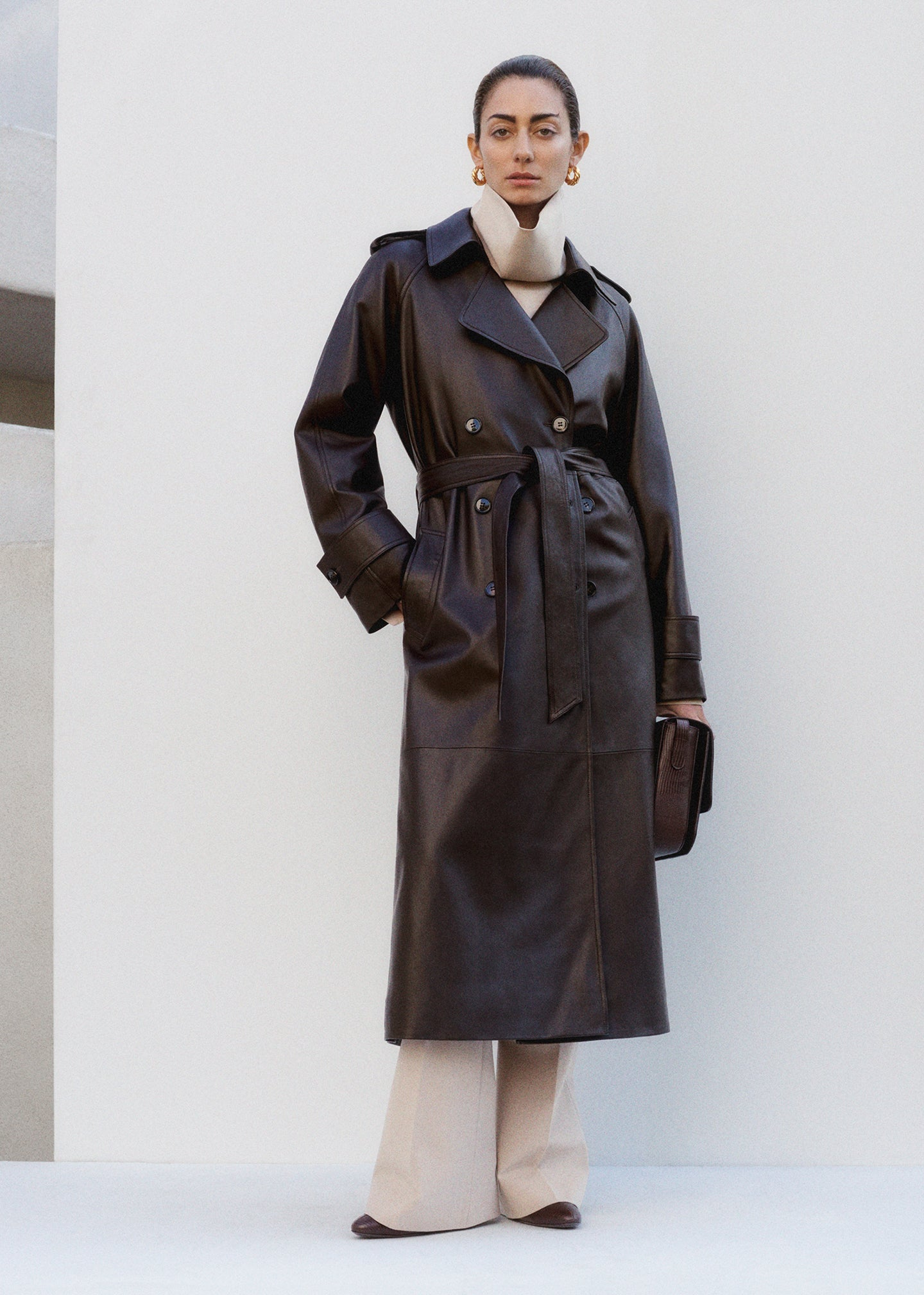 Trench Coat in Leather - Brown - CO