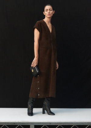 V-Neck Dress in Suede - Brown - CO