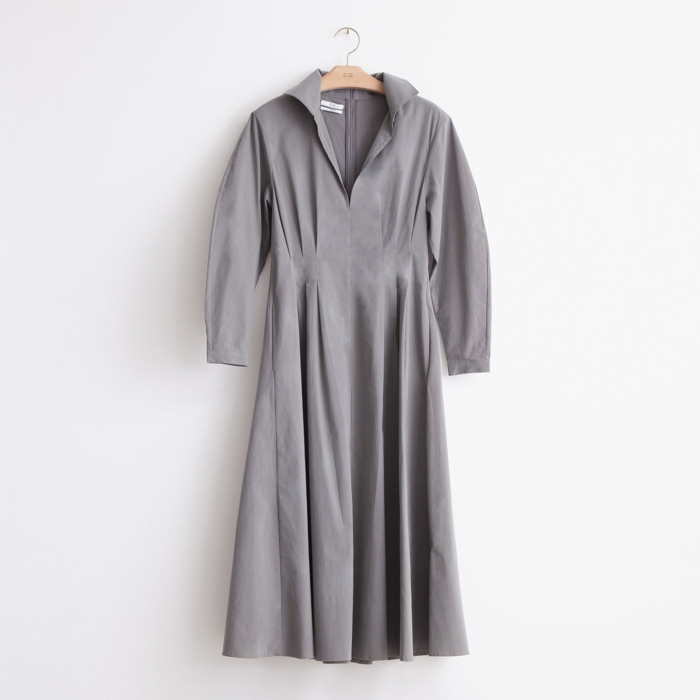 Long sleeve v neck midi dress in grey washed cotton - CO