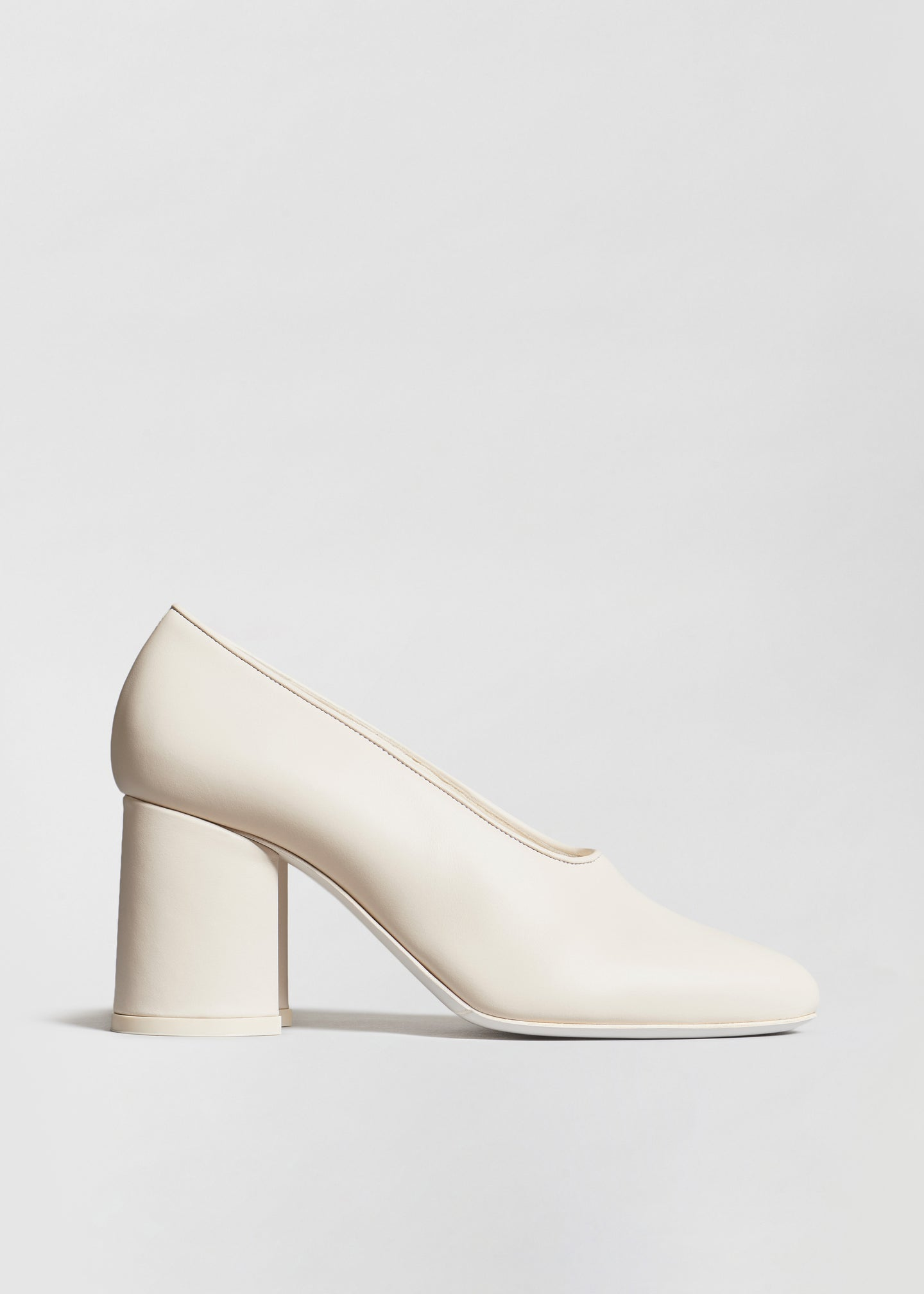 Classic Pump in Smooth Lambskin - Ivory - CO