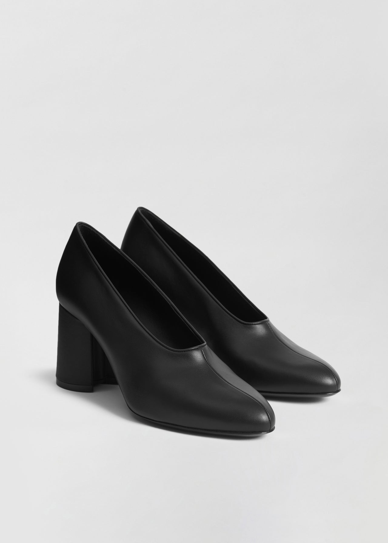 Classic Pump in Smooth Leather - Black