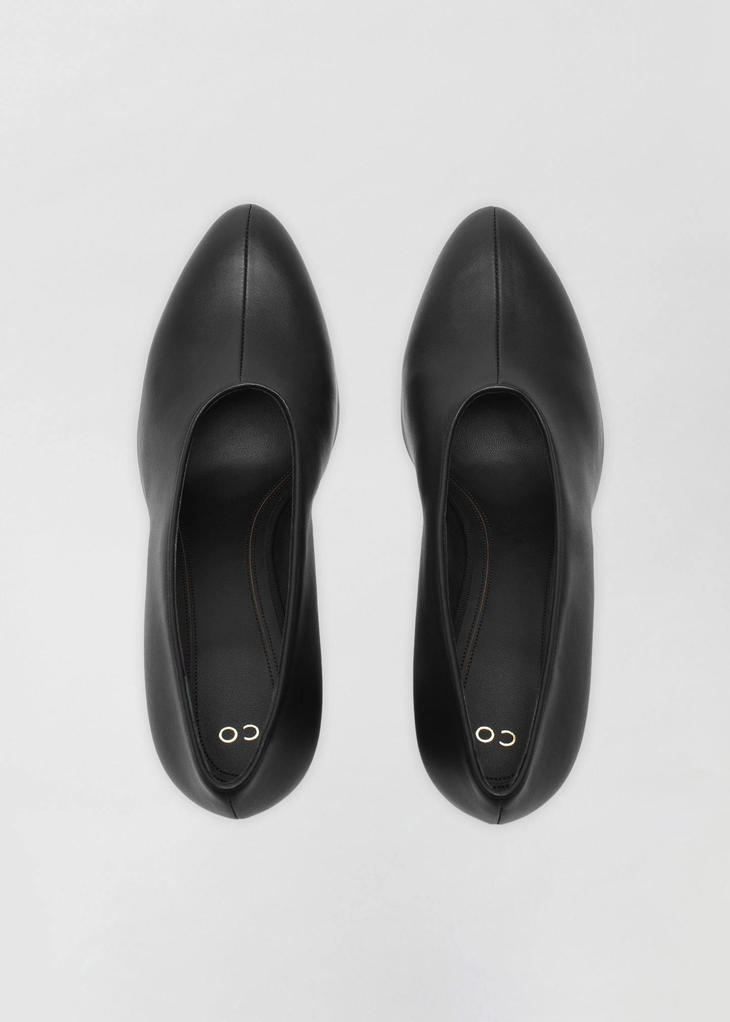 Classic Pump in Smooth Leather - Black - CO