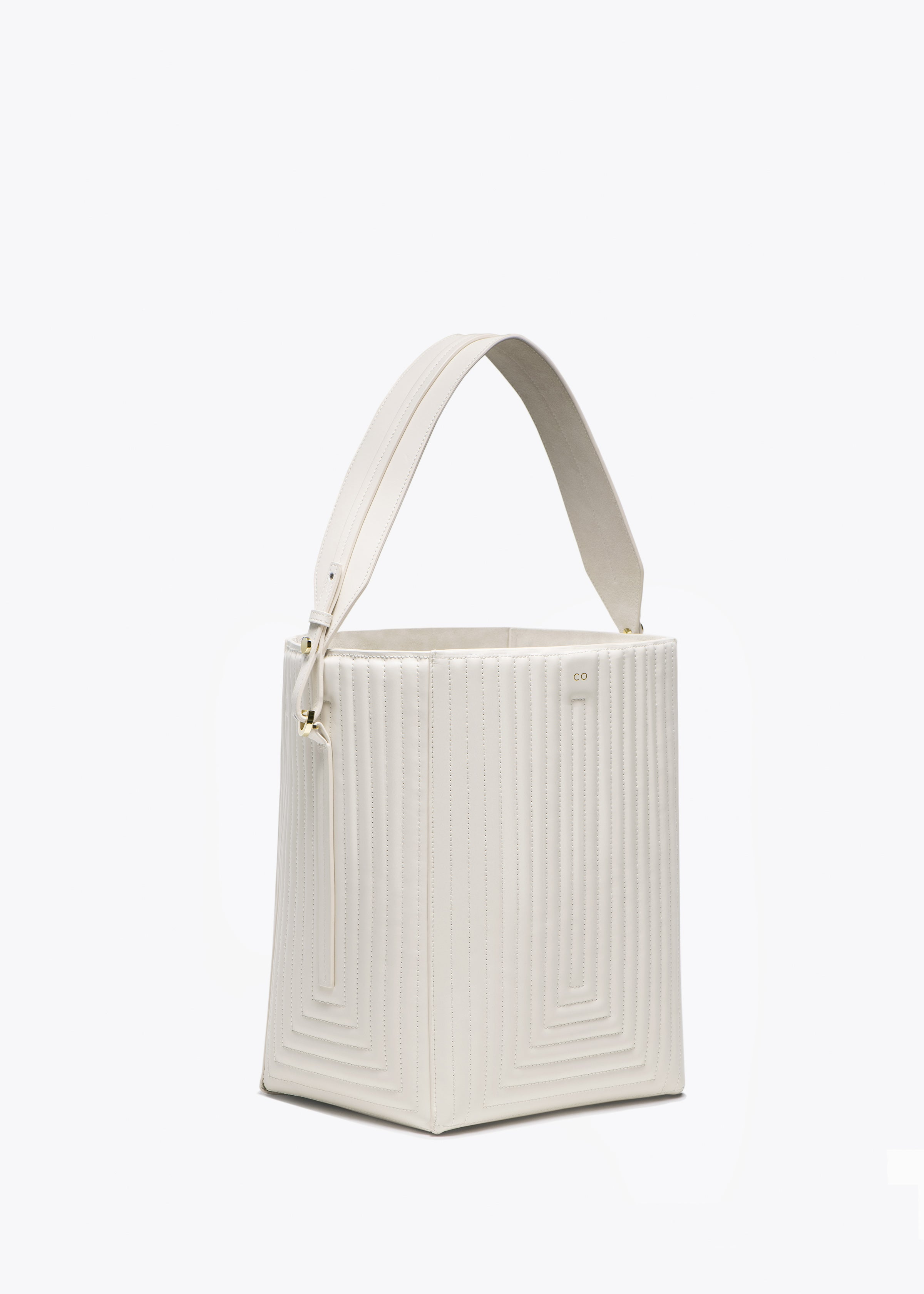Bucket Bag in Matlasse Leather