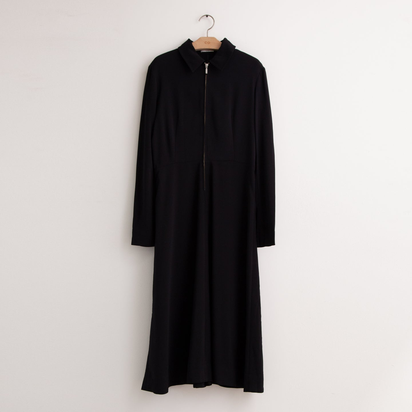 Zip front long sleeve collared dress in black stretch crepe - CO
