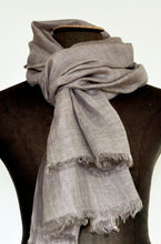Load image into Gallery viewer, Scarf Chunky Linen Beige