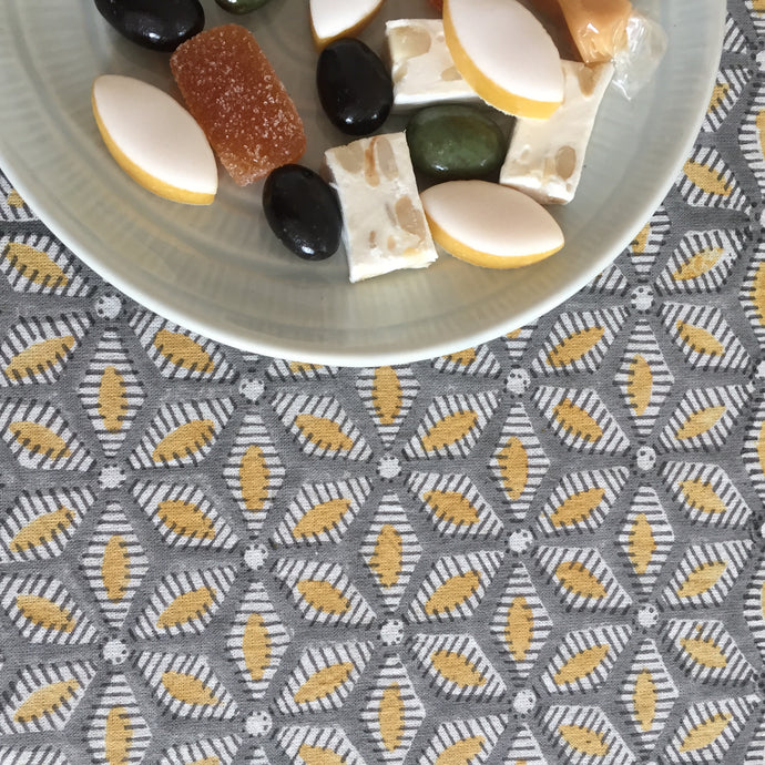 Tablecloth Organic Cotton - Tara Grey/Yellow 150x265 cm