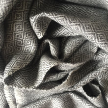 Load image into Gallery viewer, Scarf Diamond Wool Grey