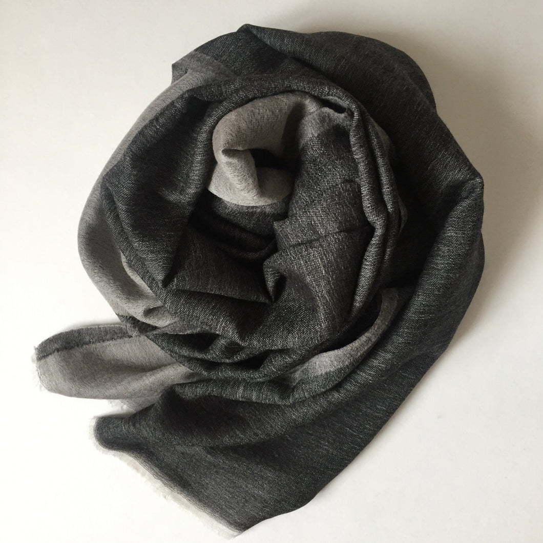 Scarf Two Tone Fine Wool Black/Light Grey
