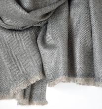 Load image into Gallery viewer, Shawl Shimla Wool Herringbone Grey/Beige