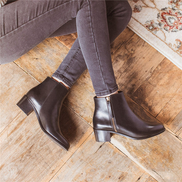 Women's simple side zipper pointed boots