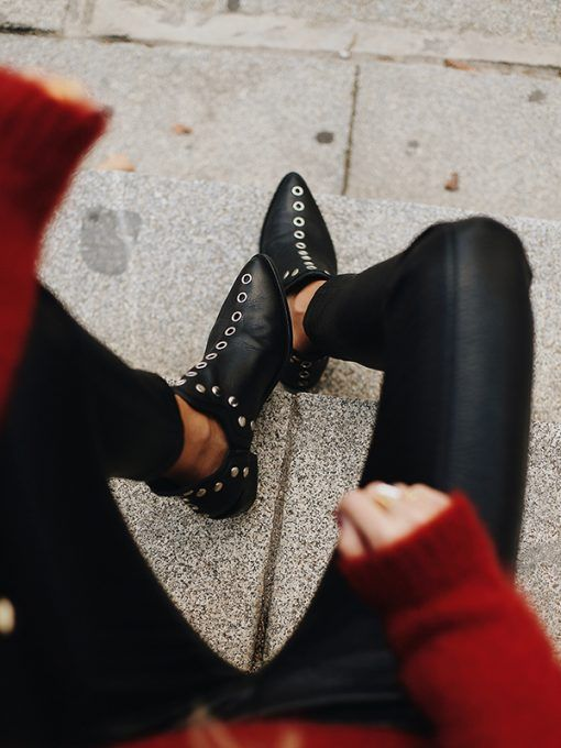 Vintage Pointed Toe Rivet Plain Mid Heel Boots