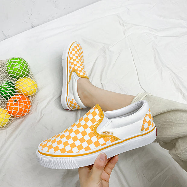 Casual black and white checkerboard plaid couple canvas shoes