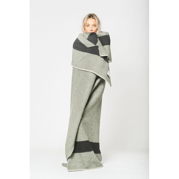 Siempre Recycled Throw: Green/Charcoal
