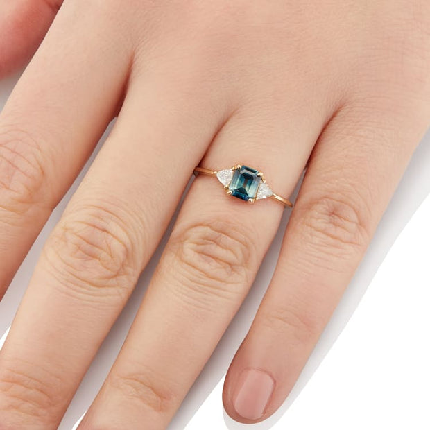 Icaria Sapphire Ring
