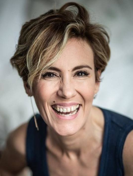 Role Model Portrait // Meet Noémie De Lattre author, actress, audacious and committed comedian!