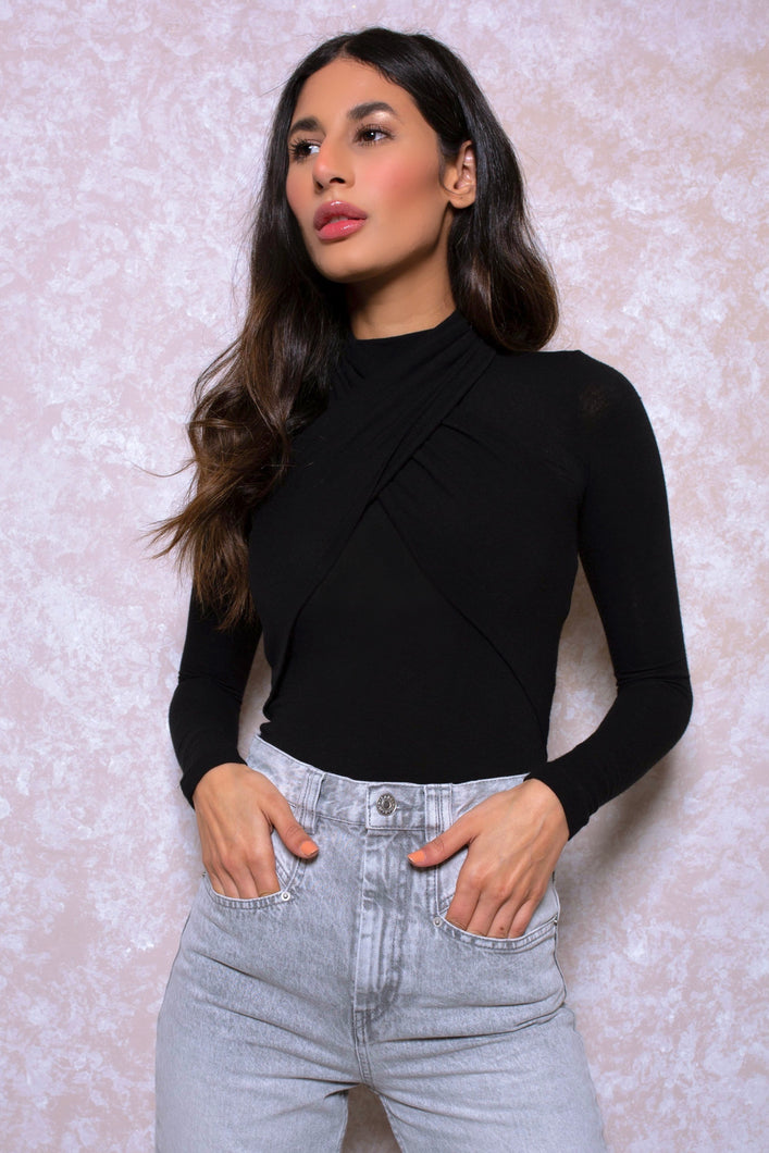 Halter Front Top in Black