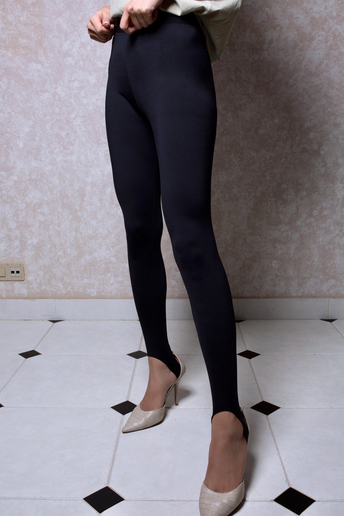 Stirrup Stretch Leggings in Black