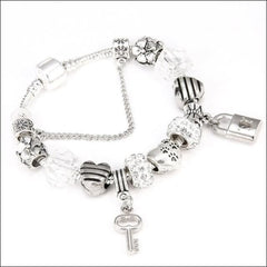Quality Alloy Metal Bracelets - Lock And Key. - Silver / 18Cm
