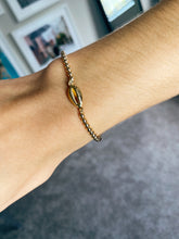 Load image into Gallery viewer, Shell 3mm Bracelet