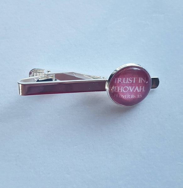 "Shiny Silver Tie Clip ""Trust In Jehovah"" on Burgundy Background, Glass Cabochon, JW, JW.org, Gifts for Brothers, Elders, Proverbs 3:5"