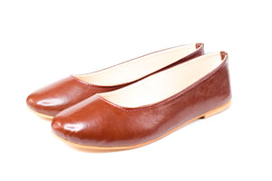 Classic brown ballerinas