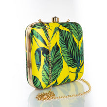 Load image into Gallery viewer, Tropical print clutch