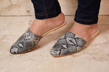 Load image into Gallery viewer, Grey snakeskin mules
