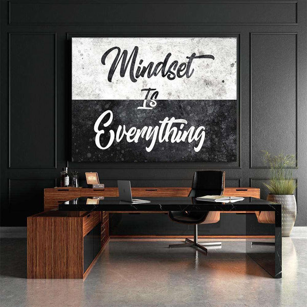 MINDSET IS EVERYTHING - MockupmitHintergrund1- Hustling Sharks