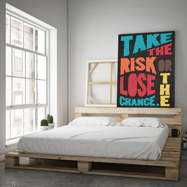 TAKE THE RISK - Mockup mit Hintergrund 1 - Hustling Sharks