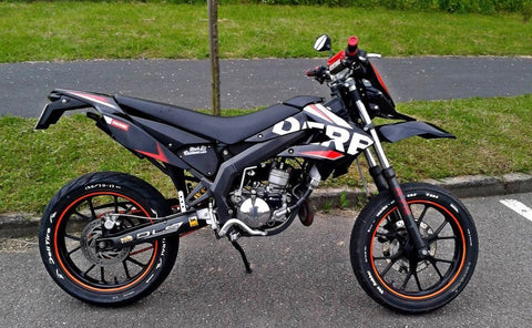 Kit Déco DERBI XTREME / RACING APRES 2011 Origine NOIR ROUGE