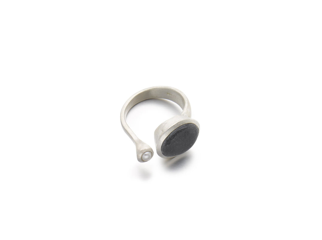 Dark Grey Pebble & Pearl Open Ring