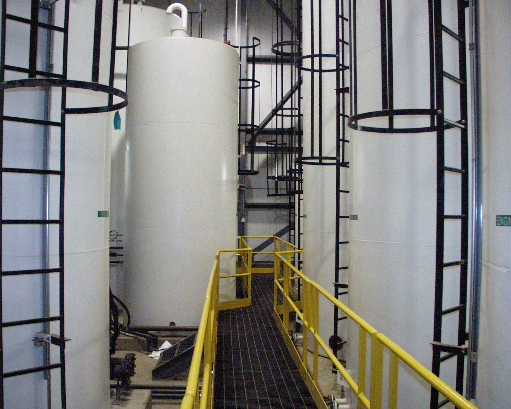 Lubrication Tank Farm with Oil