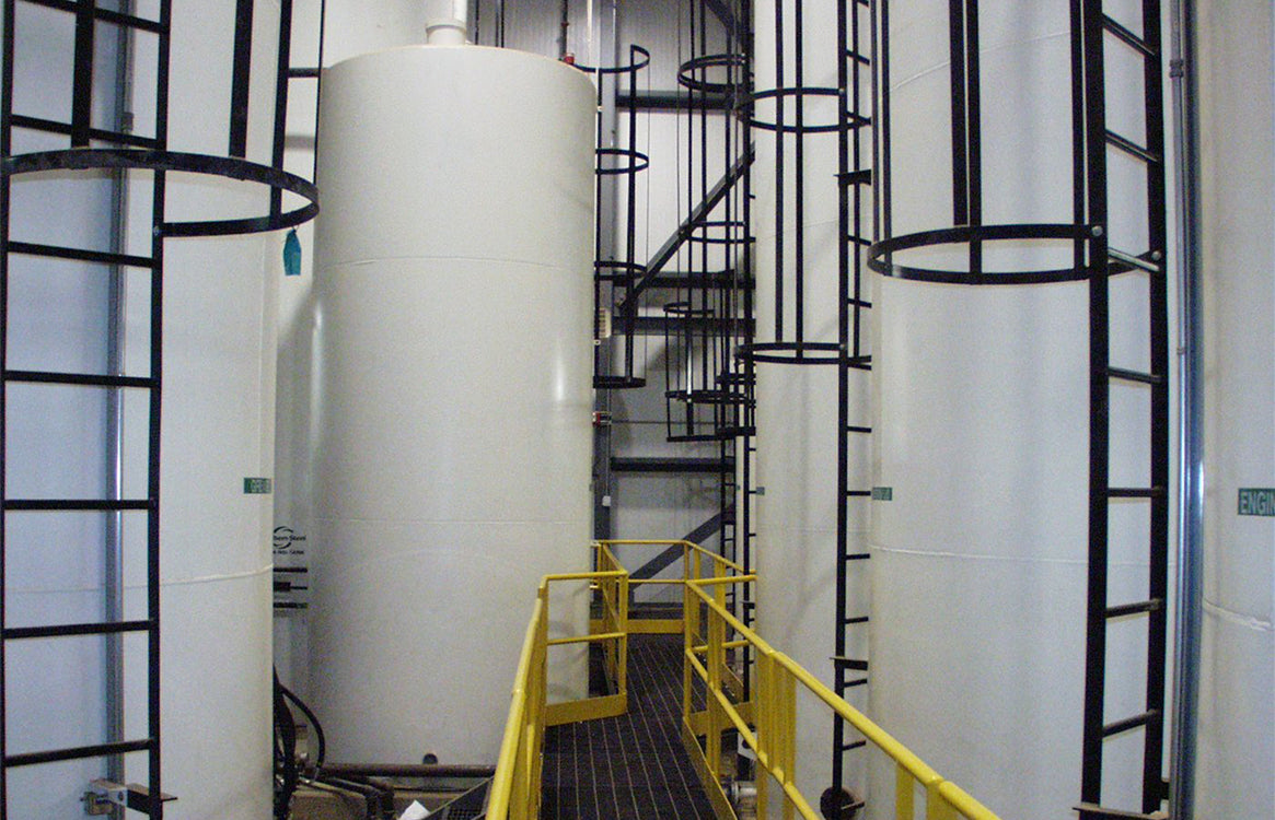 Lubrication_Tank_Farm_with_Oil