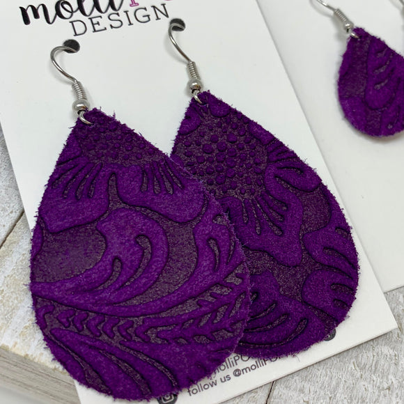 Purple Suede Etched Daisy Teardrop